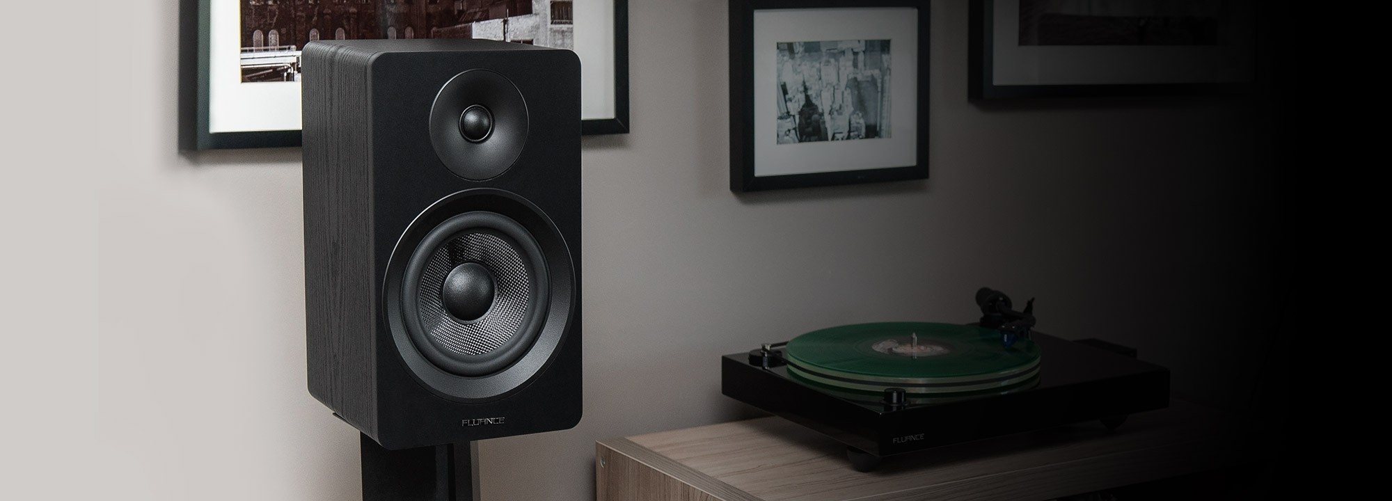 "Ai61 Powered 6.5"" Stereo Bookshelf Speakers"