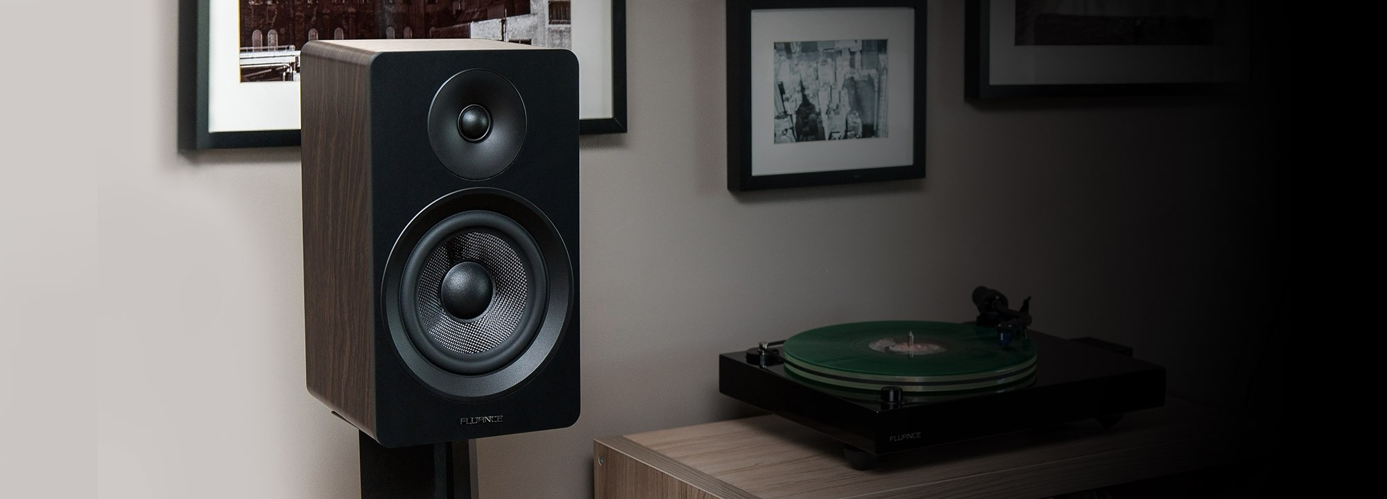 "Ai61B Powered 6.5"" Stereo Bookshelf Speakers"