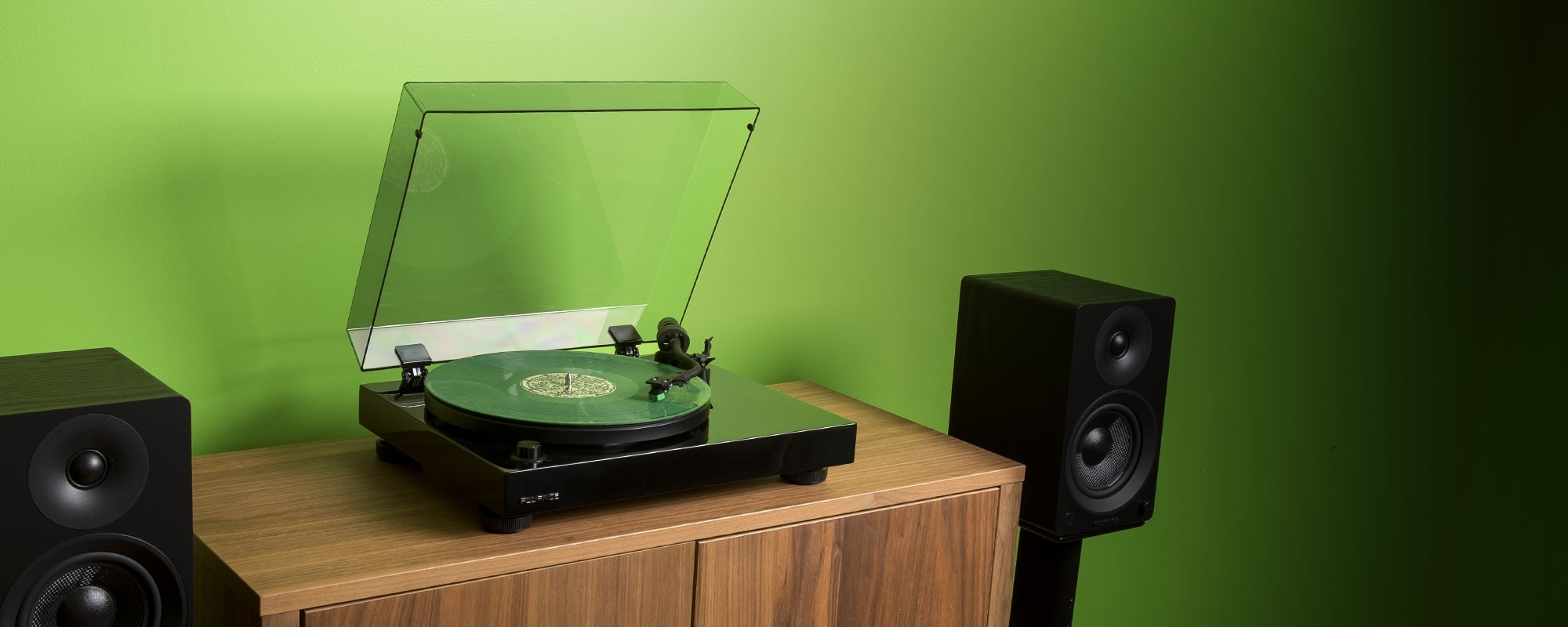 RT81T High Fidelity Vinyl Turntable