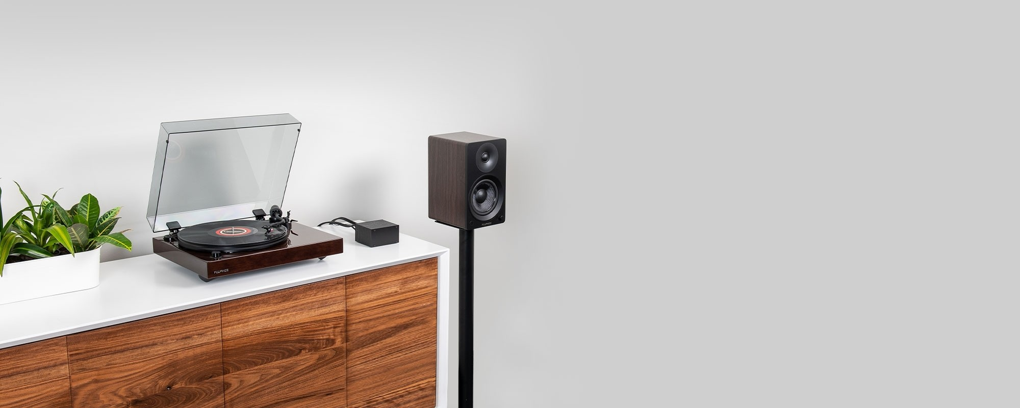 """Reference RT82 High Fidelity Vinyl Turntable with PA10 Phono Preamp and Ai41 Powered 5"""" Bookshelf Speakers - Lifestyle"""