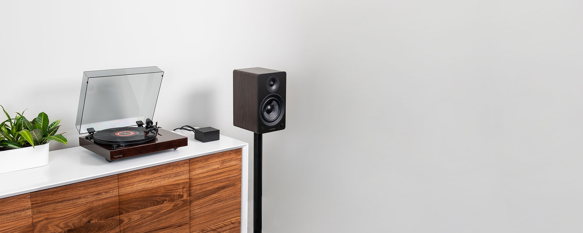 """Reference RT83 High Fidelity Vinyl Turntable with PA10 Phono Preamp and Ai60 6.5"""" Powered Bookshelf Speakers"""