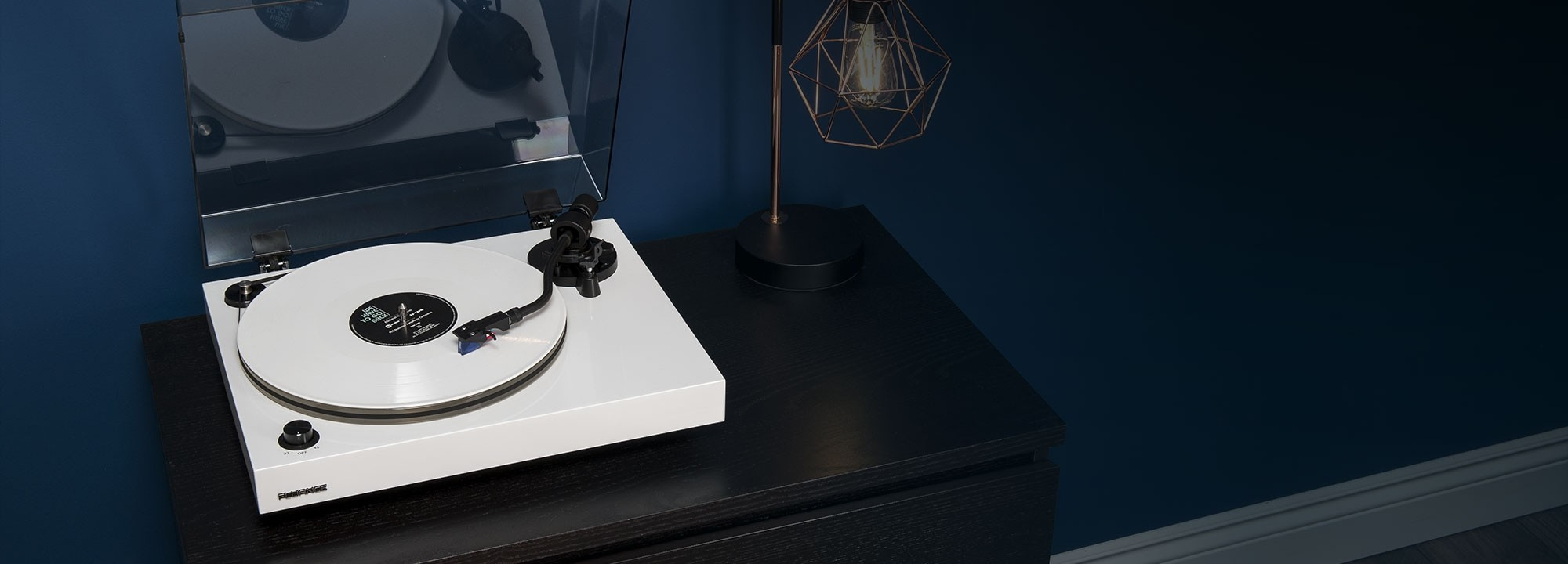 RT85WH Reference High Fidelity Vinyl Turntable - Lifestyle