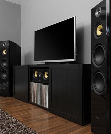 Signature Series Hi-Fi Three-way Floorstanding Speakers - LIfestyle 2