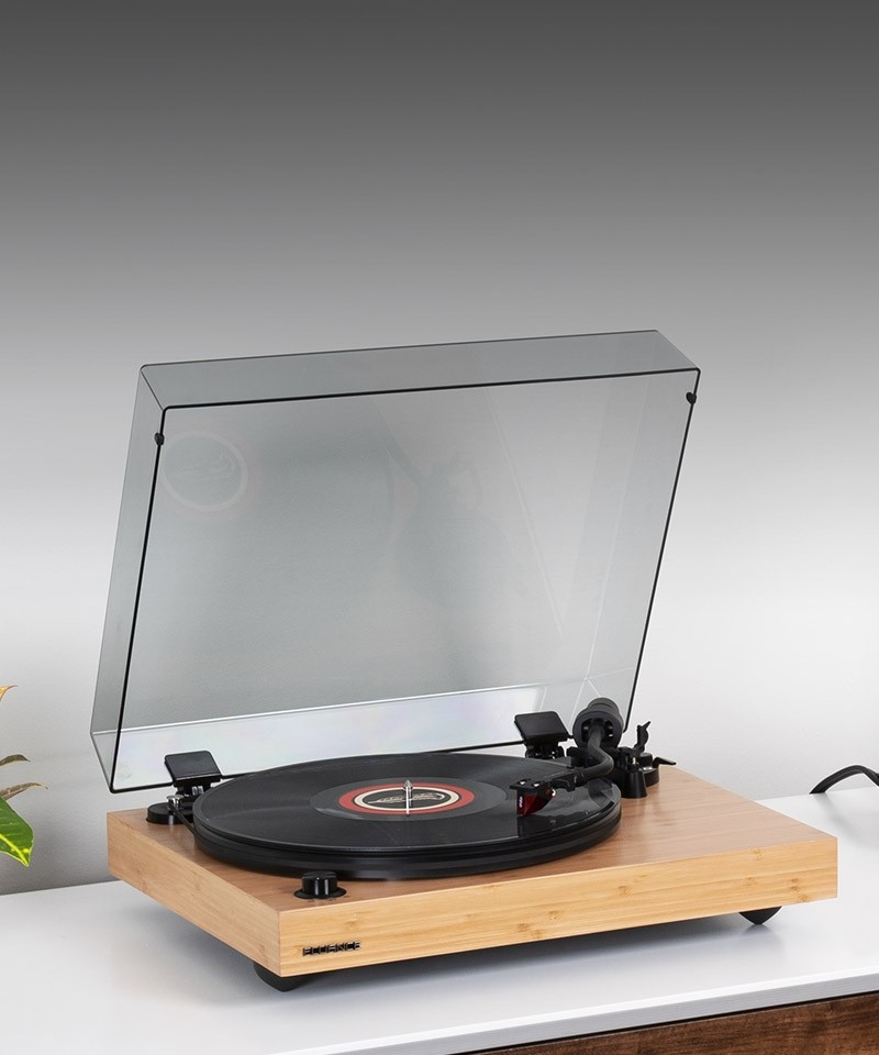 RT83B Reference High Fidelity Vinyl Turntable - LIfe Style