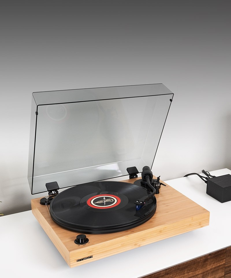 RT84B Reference High Fidelity Vinyl Turntable - Lifestyle Mobile