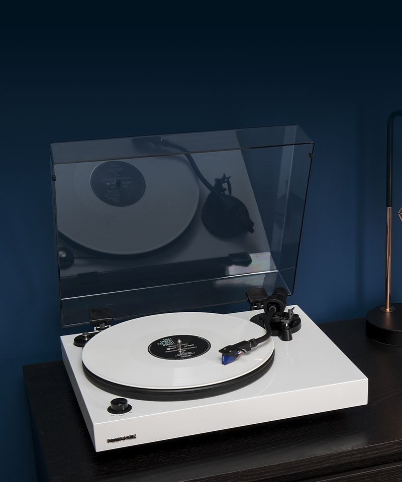 RT84WH Reference High Fidelity Vinyl Turntable - Lifestyle Mobile