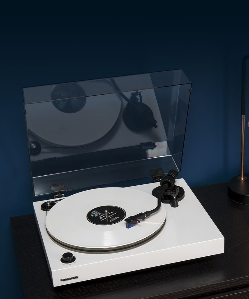 RT85WH Reference High Fidelity Vinyl Turntable - Lifestyle Mobile