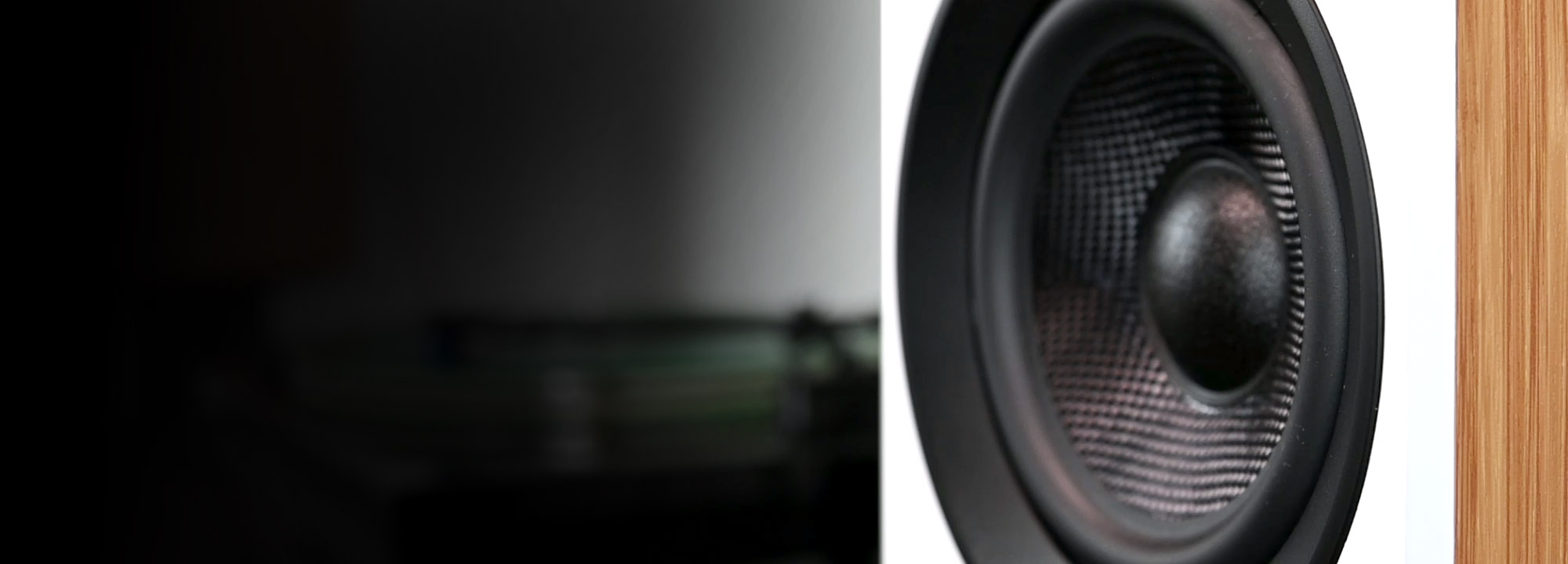 Ai61 Powered Stereo Bookshelf Speakers