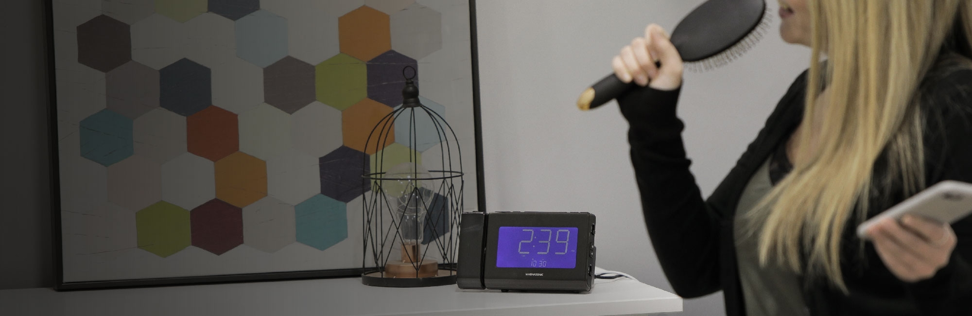 Wirelessly Stream Your Music To Your Clock Radio